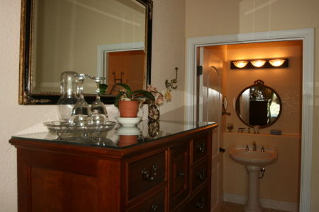 private bathroom with tub shower - bed breakfast near Yosemite National Park